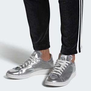 Metallic Silver Stan Smith Adidas 8.5